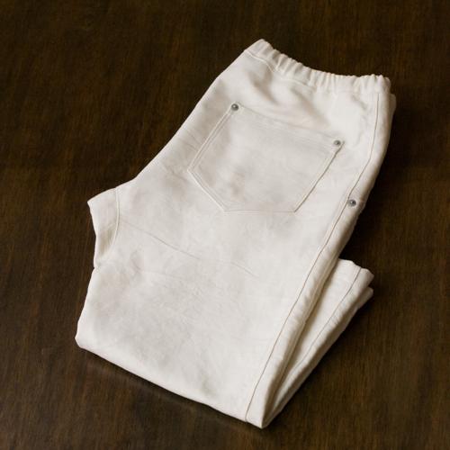 white-pants05